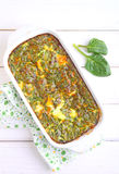 Gebakken omelet met spinazie Royalty-vrije Stock Foto's