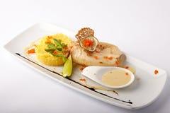 Gebakken pijlinktvis met fijngestampte aardappel en saus Royalty-vrije Stock Afbeelding