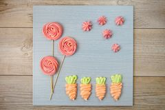Gebakken snoepjesschuimgebakje Charmante eigengemaakte kleurrijke schuimgebakjes stock fotografie