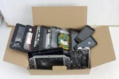 Gebarsten gebroken telefoons stock fotografie