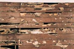 Gebarsten geschilderde houten oppervlakte Royalty-vrije Stock Afbeeldingen