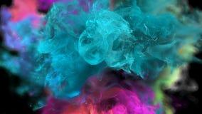 Gebarsten kleur - kleurrijke cyaan magenta vloeibare de deeltjes alpha- steen van de rookexplosie stock videobeelden