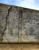 Gebarsten muur Stock Fotografie