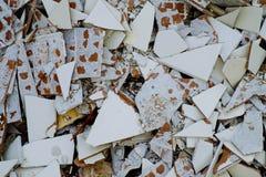 Gebarsten tegels Stock Foto