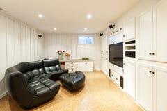 Gebeëindigde kelderverdieping binnenshuis Royalty-vrije Stock Foto