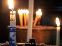 Gebedkaarsen in Churcch van de Geboorte van Christus in Bethlehem Stock Afbeeldingen