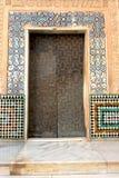 Gebeeldhouwde deur van een paleis Royalty-vrije Stock Afbeeldingen