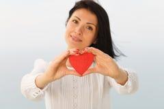 Geben des Herzens stockfoto
