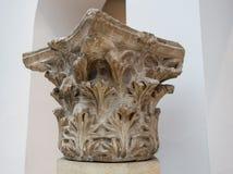 Geben Sie den Transportwagen bekannt, der timelapse des alten Tempels Poseidon-Monuments im Kap Sounio von Athen, Griechenland au Stockfoto