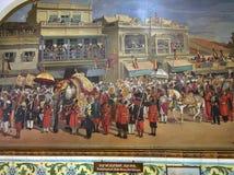 Geben Sie Elefanten und Zustandspferde während einer königlichen Prozession in fürstlichem Staat Mysores an Stockbild
