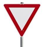 Geben - Verkehrszeichen nach (der Beschneidungspfad eingeschlossen) Stockbilder