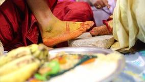 Gebet in der indischen Heirat stock video