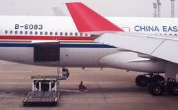 Gebet und Flugzeug Stockbilder