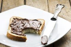 Gebeten Wit Brood met Nutella  royalty-vrije stock afbeeldingen