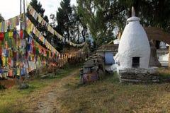 Gebetsflaggen an Tashiding-Kloster Lizenzfreie Stockfotografie