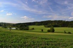Gebieden, weiden en boslandschap, Tsjechische republiek stock afbeeldingen
