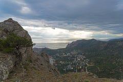 Gebiedsmening over een kleine toevluchtstad op de kust van de Zwarte Zee van Crim Royalty-vrije Stock Afbeeldingen