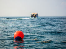 Gebietsboje im Meer Lizenzfreies Stockbild