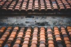 Gebildet, um einem alten hölzernen Dach zu ähneln Stockfotos