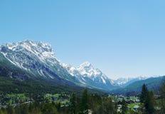 Gebirgs-und Tal-Landschaft Lizenzfreies Stockbild