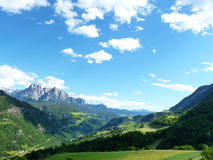 Gebirgs-und Tal-Landschaft Lizenzfreie Stockbilder