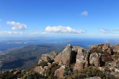 Gebirgsausblick vom Berg Wellington Hobart Lizenzfreie Stockbilder