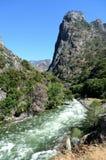Gebirgsfluss in Nationalpark König-Canyon, CA, USA Stockbild
