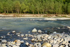 Gebirgsfluss Psezuapse in den Bergen des Nord-Kaukasus Lizenzfreie Stockbilder