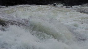 Gebirgsfluss-Wasserstrom stock video footage