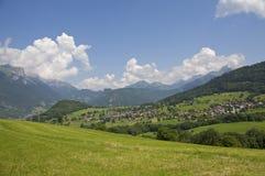 Gebirgsfrankreich-Feld Stockfotos