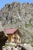 Gebirgshütte in den italienischen Alpen (rifugio Genua) Lizenzfreies Stockbild