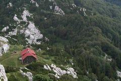 Gebirgshütte im Nationalpark Lizenzfreie Stockfotografie