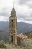 Gebirgskirche in Apennines lizenzfreie stockbilder