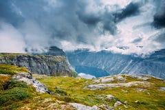 Gebirgslandschaft in Norwegen skandinavien lizenzfreies stockfoto