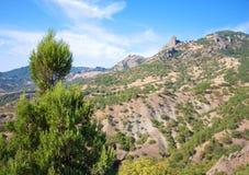 Gebirgslandschaft und blauer Himmel. Karadag, Krim Stockbilder