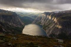 Gebirgslicht in Norwegen Stockfotografie