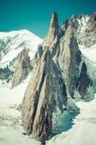 Gebirgsmassivde der Montblanc auf der Grenze von Frankreich und von Italien Im f Lizenzfreie Stockfotos
