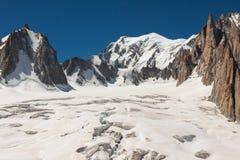 Gebirgsmassivde der Montblanc auf der Grenze von Frankreich und von Italien Im f Stockbild