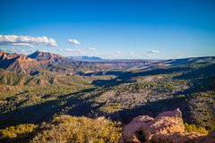 Gebirgsrücken in Zion National Park, Utah lizenzfreie stockbilder