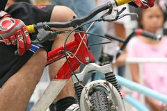 Gebirgsradfahren lizenzfreie stockfotos