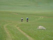 Gebirgsradfahrendes Abenteuer lizenzfreie stockbilder