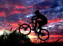 Gebirgsradfahrer stockfoto