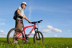 Gebirgsradfahrer. Stockbilder