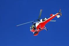 Gebirgsrettungs-Hubschrauber lizenzfreies stockbild