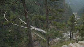 Gebirgsschlucht im Himalaja stock video footage