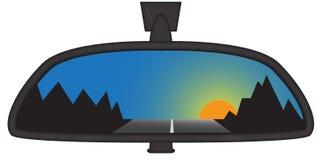 Gebirgssonnenuntergang in Chunky Rear View Mirror Lizenzfreie Stockfotos
