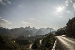Gebirgsstraße in Hà Giang Vietnam stockfoto