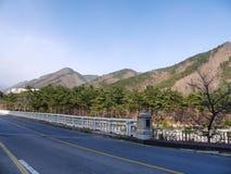 Gebirgsstraße in Südkorea Stockbild