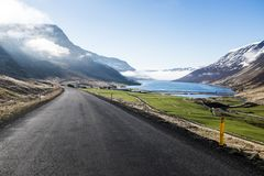 Gebirgsstraßen von Island von stockfotos