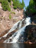 Gebirgsstrom-Wasserfall Lizenzfreie Stockfotografie